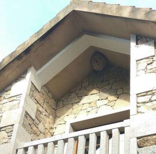 Resultado de imagen de avispas nido tejado